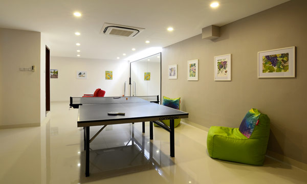 设计 新加坡/办公室装饰设计施工平面图表达的内容比较多,有以下几个方面