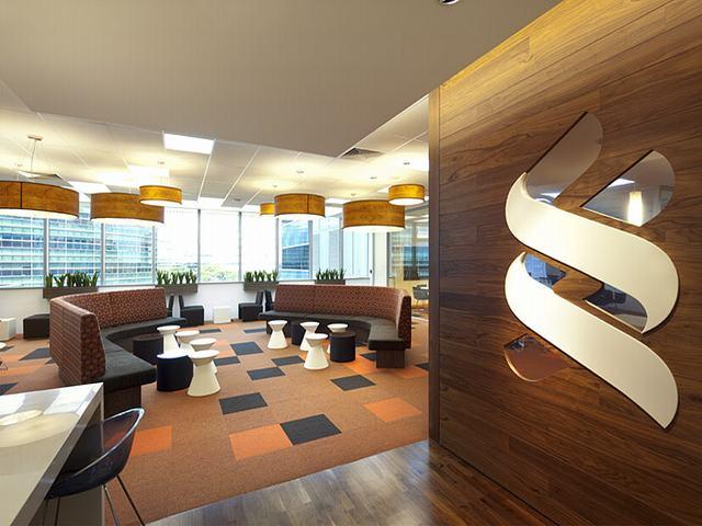 公司贵宾接待区效果图,是一个私密且开放式的空间,为什么说是私密性