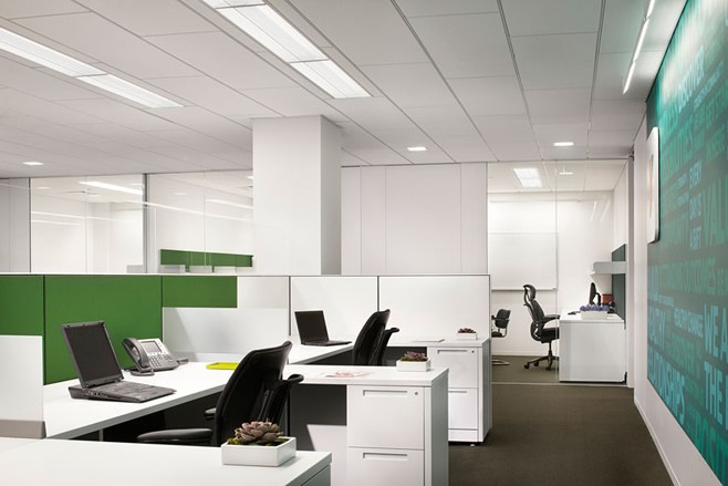 办公室装潢公司员工工作精神