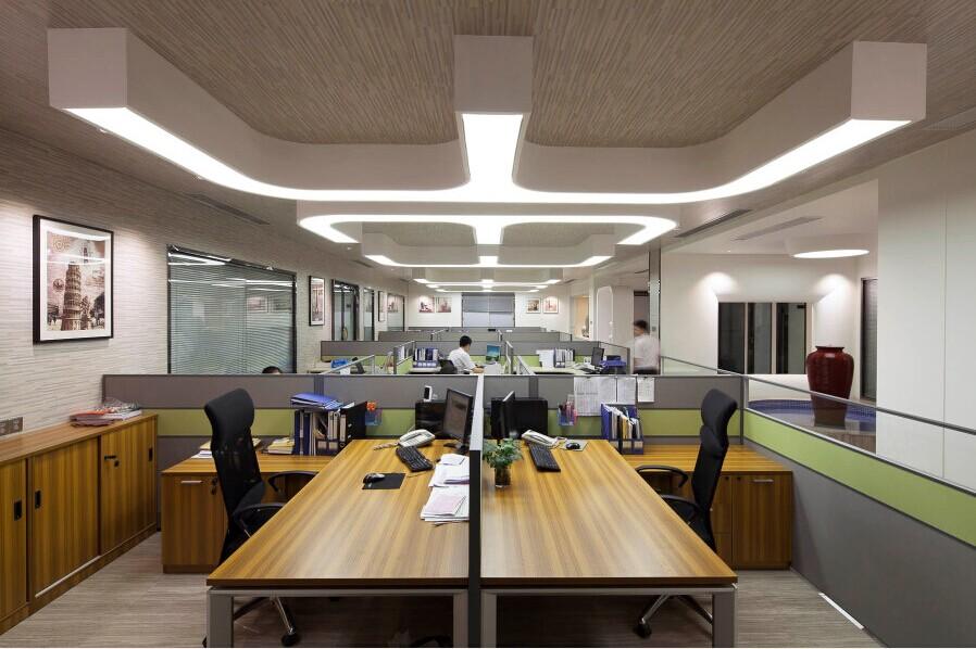 轻钢龙骨吊顶施工安全措施-办公室吊顶装修