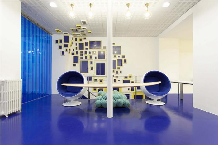 軟件公司裝修藍白色打造視覺美感